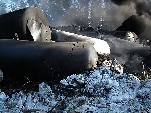 Image of dderailed tank cars